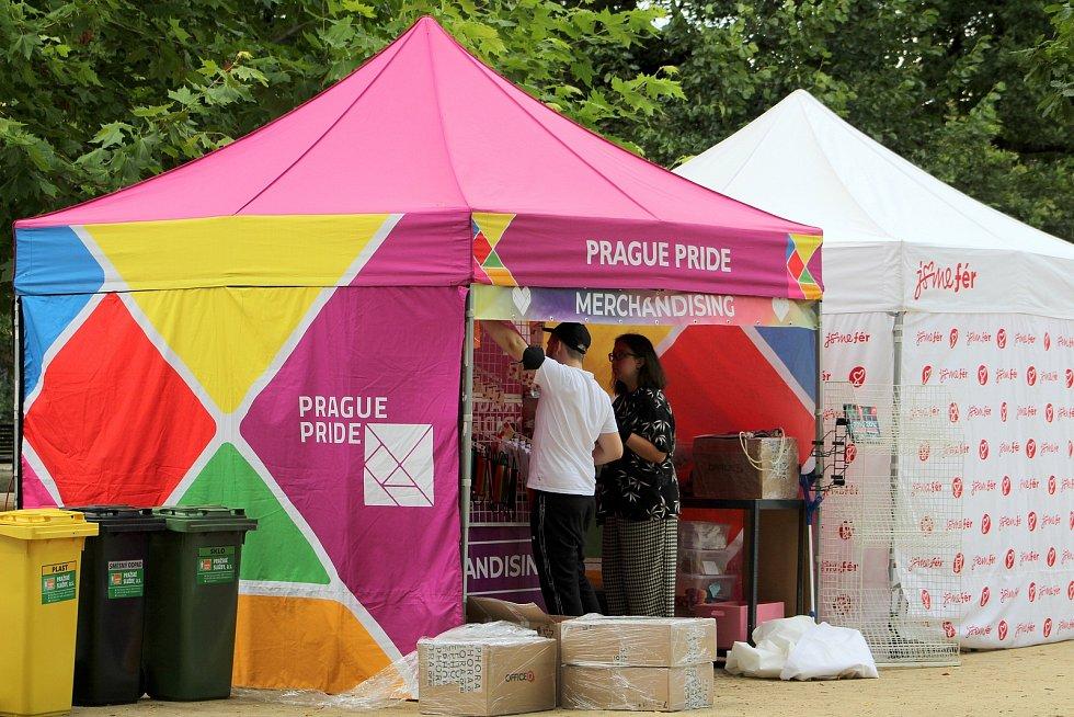 Přípravy na Prague Pride 2021.