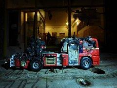 Škodu způsobenou agresory na centru Klinika hasiči odhadují na desítky tisíc