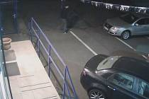 Z bazarů zloději odvezli 28 aut.