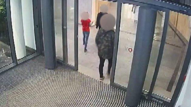 Napadení v obchodním centru na Chodově