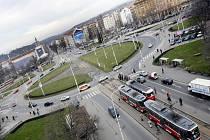 Kruhový objezd Vítězného náměstí na Praze 6