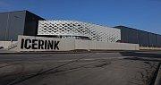 Otevření nového zimního stadionu ve Strašnicích.