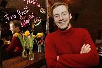 Slavnostní večer udílení cen Deska roku Allianz 2007 bude uvádět hudebník Petr Vondráček.
