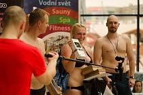 Šestý ročník Grand Prix v jízdě na tobogánu v Aquapalace Praha - absolutní vítězka Aneta Přibylová.
