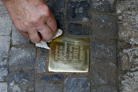 V Praze byl projekt nazván Kameny zmizelých.