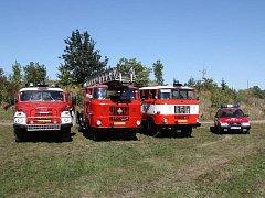 TECHNIKA. Vozový park dobřichovických dobrovolných hasičů už něco pamatuje.