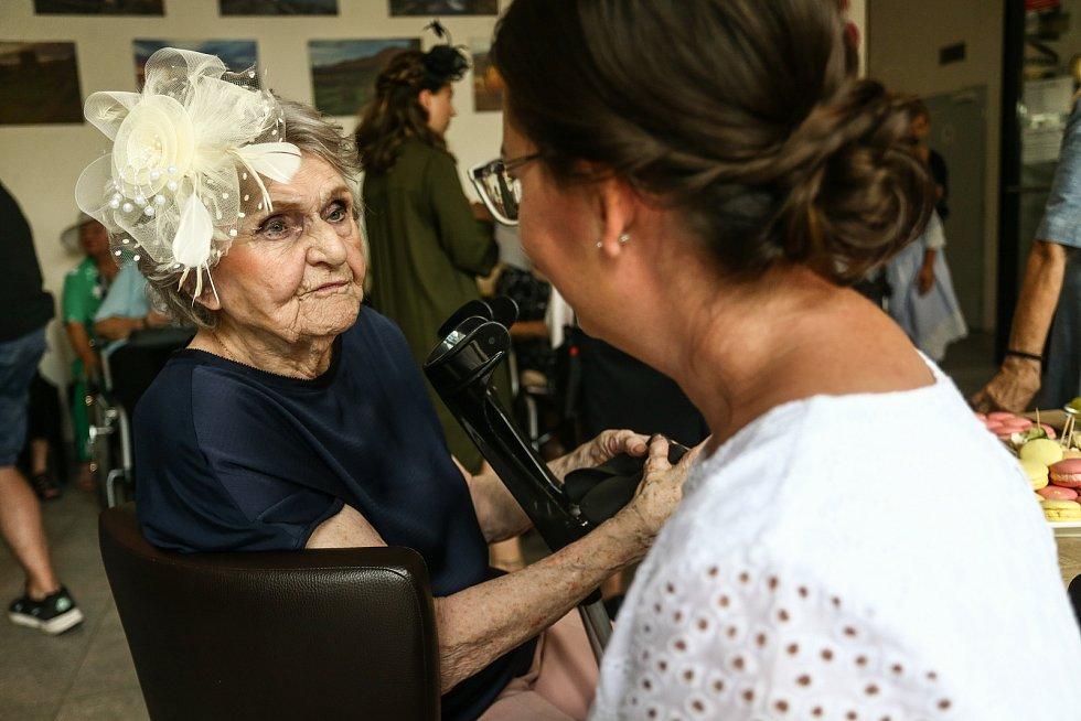 Seniorská módní přehlídka se v Centru RoSa konala ve čtvrtek 15. července 2021.
