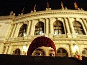 Zvláštní bezpečnostní opatření se budou týkat především oblastí Pražského hradu, Kongresového centra, hotelu, kde bude Obama ubytován, či míst, kde bude projíždět jeho kolona.
