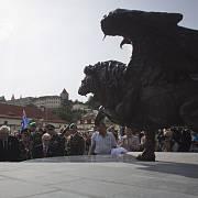 Pomník na pražském Klárově československým letcům, kteří za druhé světové války působili v britském Královském letectvu (RAF) a proslavili se hlavně v bitvě o Británii.