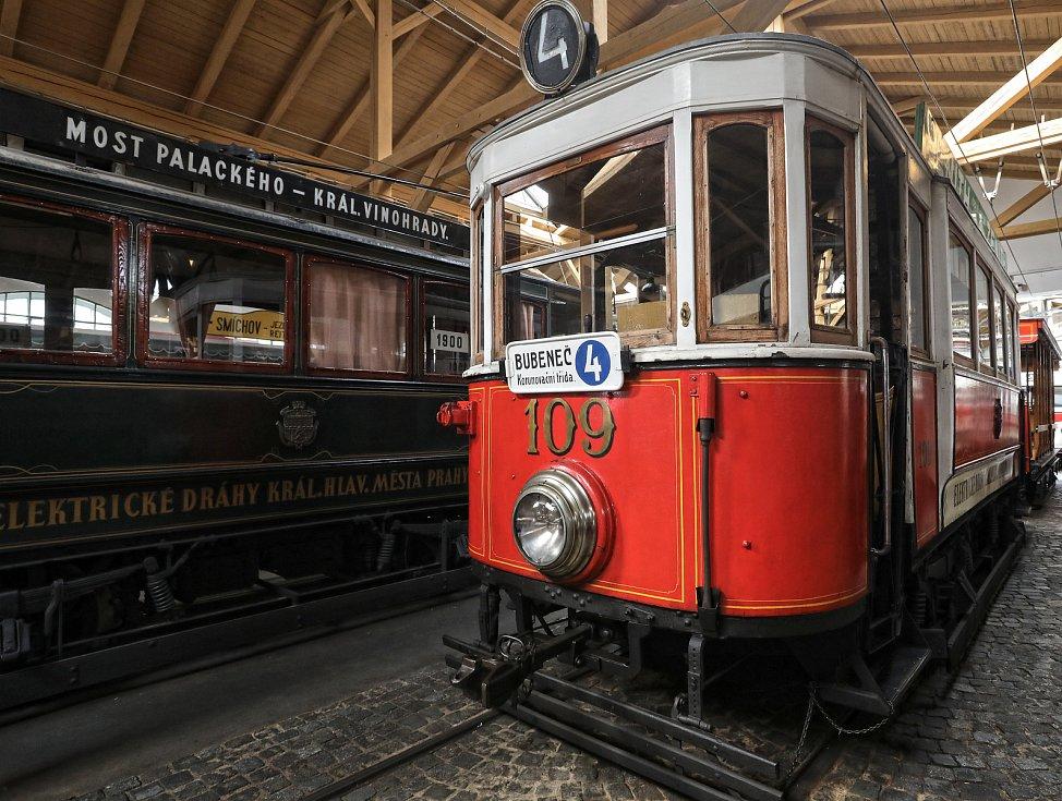Tramvaje -  Muzeum městské hromadné dopravy ve vozovně v Praze-Střešovicích.