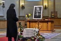 V pražském kostele U Salvátora se 23. ledna 2021 konalo poslední rozloučení se zesnulým písničkářem, evangelickým duchovním a bývalým poslancem Svatoplukem Karáskem.
