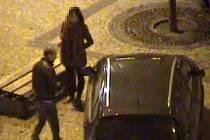 V Praze 1 oznamovatel upozornil strážníky městské policie na opilého řidiče. Ten neunikl ani pozornosti kamer.