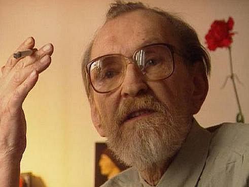 NIKDO O MNĚ NEVÍ - že jsem marxist levý. Tak znělo svérázné krédo Egona Bondyho.