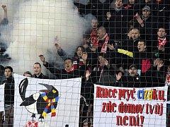 """Experiment s koučem Františkem Strakou, """"kovaným sparťanem"""", v roce 2011 nevyšel. Dodnes to fanoušci pražské Slavie nemohou překousnout."""