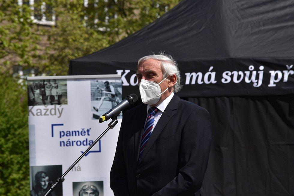 Vernisáž výstavy Nikogda ně zabuděm. Senátor Jiří Růžička.