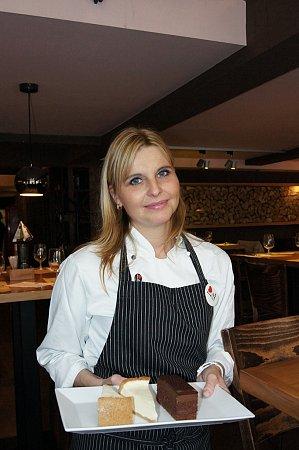 Linda Vlásková a je už pátým rokem šéfcukrářkou vsíti restaurací Coloseum.