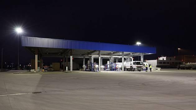 Letiště Praha uvedlo do provozu nové depo autocisteren a produktovod leteckých pohonných hmot.