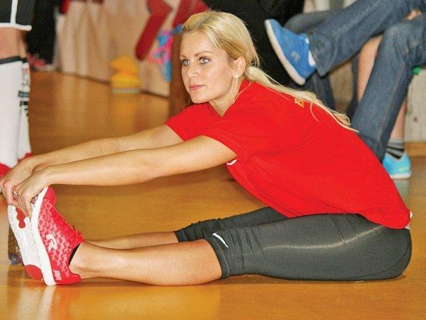 Mistryně světa vaerobiku Denisa Barešová je na akcích snázvem Odznak všestrannosti olympijských vítězů častým návštěvníkem a isama si zasportuje.