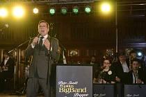 Zpěvák Petr Sovič a Golden Big Band Prague.
