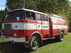 ŠKOPEK. Takovou přezdívku dostal od hasičů v Třebotově jejich starý nový vůz.