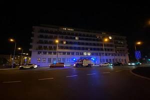 Záchranné složky míří k nehodě ve stanici metra Anděl.