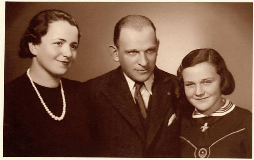Eva Smolková s rodiči.