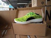 Padělky bot v tržnici SAPA.