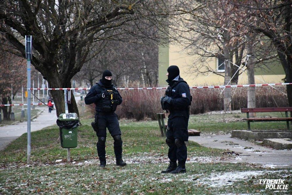 Pražská policie prověřuje střelbu při incidentu mezi mužem a ženou na Hájích.