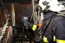Požár v restaurace v obchodním centru Řepy.