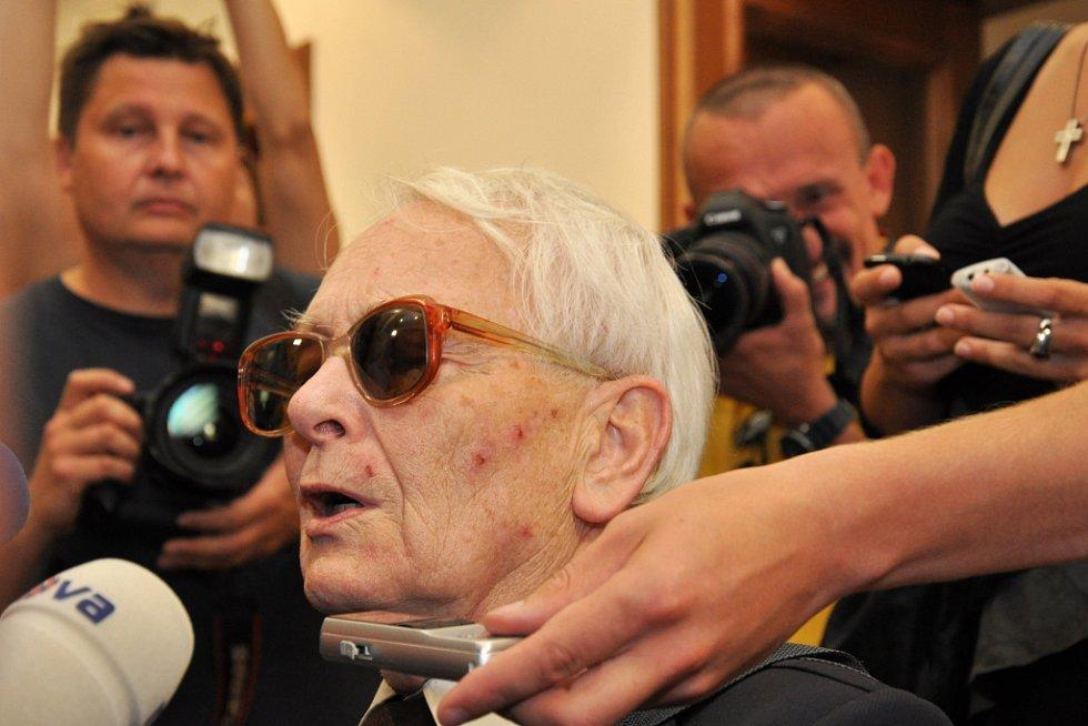 Soud rozhodoval o další vazbě Davida Ratha