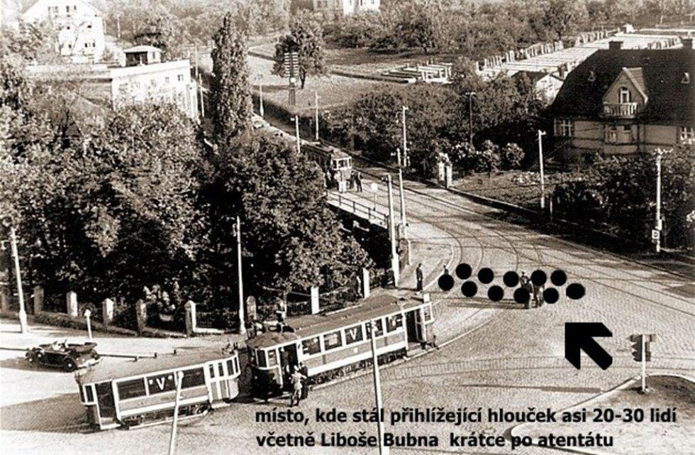 Místo atentátu. Mladičký Liboš Buben dorazil na křižovatku záhy po akci výsadkářů.