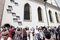 Husovské slavnosti 2015 při příležitosti 600. výročí upálení mistra Jana Husa na kostnickém koncilu 6.července 1415. Na snímku odhalená instalace na na Betlémské kapli,která využívá princip slunečního svitu k zobrazení nápisu ZA PRAVDU.