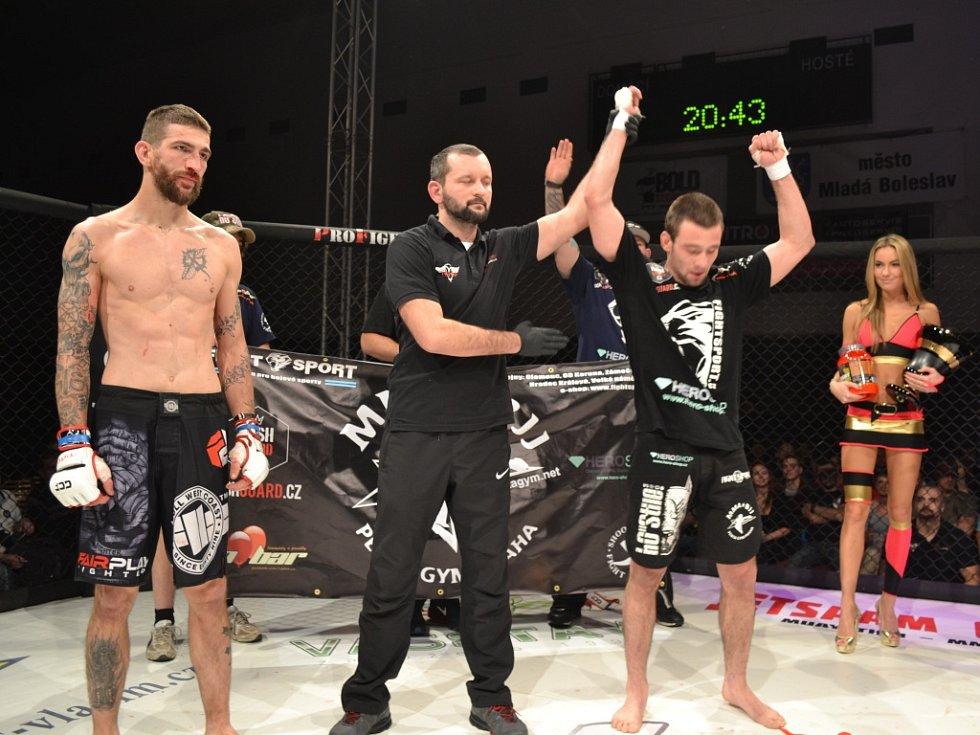 Filip Macek je čerstvým šampionem GCF v bantamové váze, když v prosinci roku 2014 porazil v Mladé Boleslavi Pavla Svobodu z Ostravy.