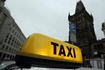 ZLEVŇOVÁNÍ JDE VŽDY POMALEJI. Když jde navíc o pražské taxikáře, možné zlevnění se jeví spíše jako lokální sci-fi.