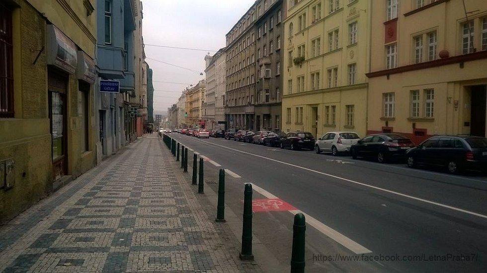 Cyklopruhy v ulicích Prahy 7.