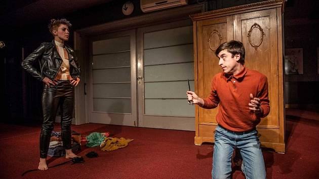 Divadlo V Dlouhé v úterý večer uvádí premiéru hry Mrk.