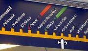 Zástupci Dopravního podniku hl.m. Prahy představili 18. května 2010 novou podobu orientačního systému pražského metra.