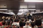 Metro ve stanici Vltavská krátce před demonstrací