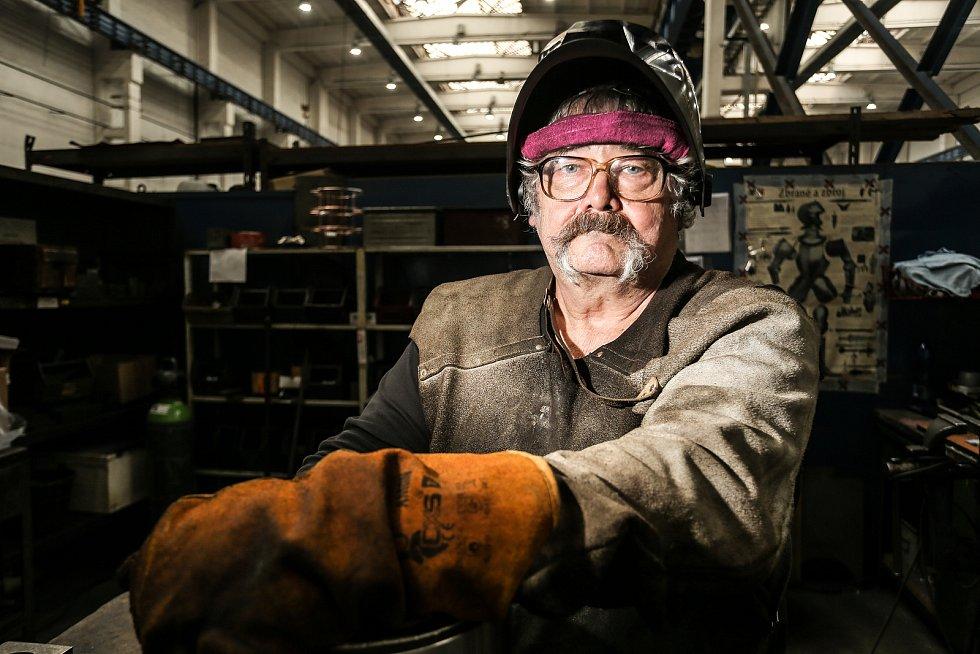 Petr Baumruk, dlouholetý pracovník svařovny výhybkových systémů.