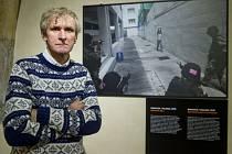Práci známého českého fotoreportéra Jana Šibíka za posledních deset let ukazuje výstava, která 2. února začala na Staroměstské radnici v Praze.