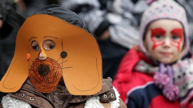 Masopustní rej a průvod v ZOO Praha v duchu benátských masek vzácných ptáků se konal v sobotu 18.února.