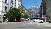 Vítkova ulice v Karlíně.