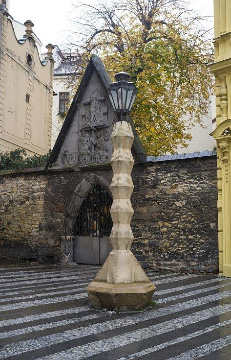 kubistická lampa od architekta Emila Králíčka, 30.11.2017