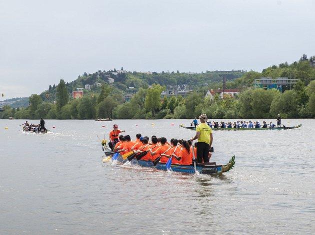 Festival dračích lodí ve Žlutých lázních, 13.5.2017