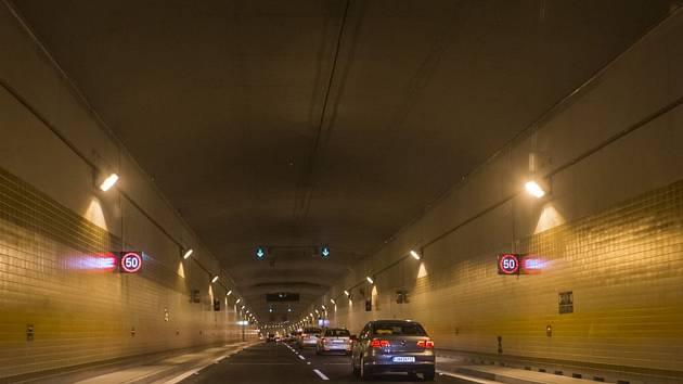 Do pražského tunelového komplexu Blanka vjeli 19. září první řidiči.