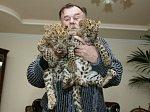 Policie obvinila tři lidi. Prodával Berousek mrtvé tygry Vietnamcům?