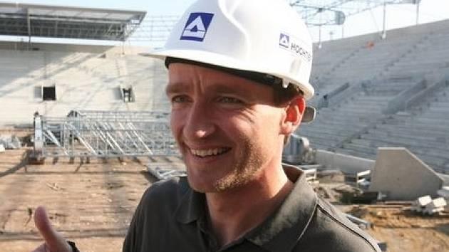 Na první sedačky se přišel podívat i Vladimír Šmicer./Ilustační foto