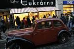 ERHARTOVA CUKRÁRNA. Opravený funkcionalistický skvost znovu sladí život Pražanům od prosince roku 2007.