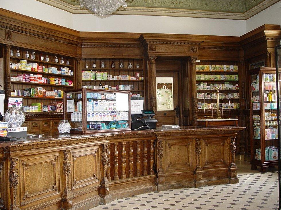 Lékárna U Černého orla.