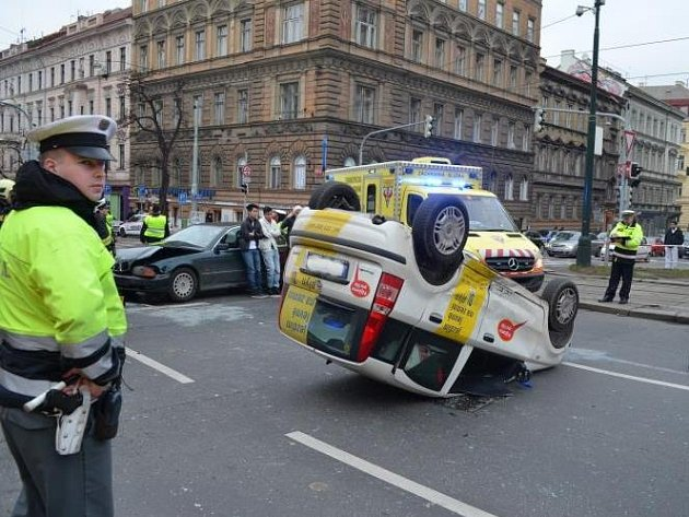 Dopravní nehoda se stala v neděli před půl třetí odpoledne na I. P. Pavlova